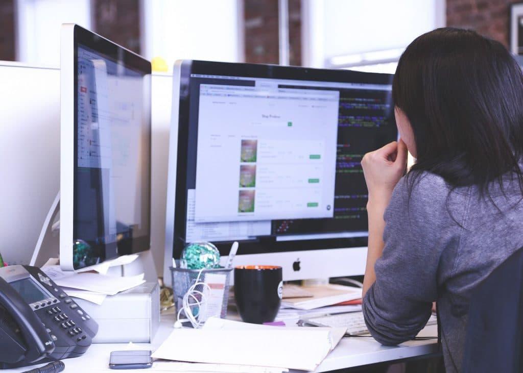 Comment devenir graphiste : formation, salaire et débouchés