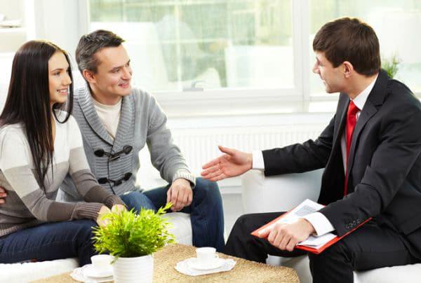 Comment devenir courtier immobilier : formation et débouchés
