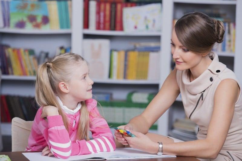 Comment devenir orthophoniste : formation, salaire et débouchés