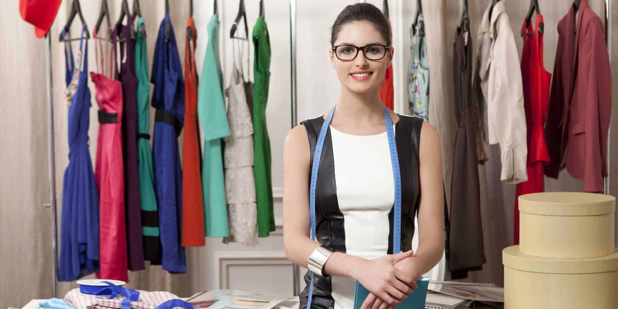 Comment devenir styliste : formation, salaire et débouchés