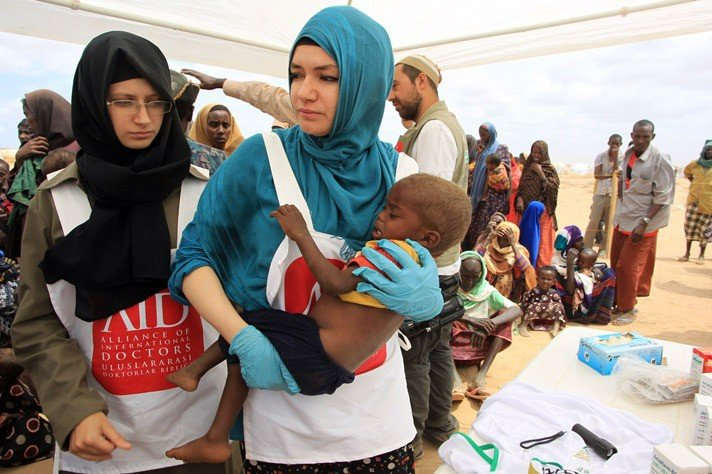 Comment travailler dans l'humanitaire sans diplôme ?