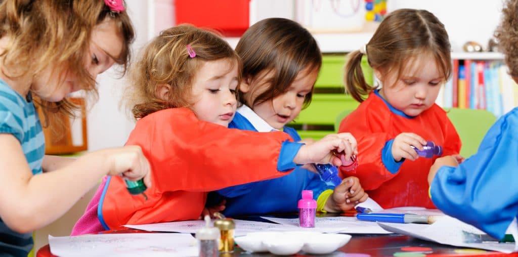 assistante maternelle creche
