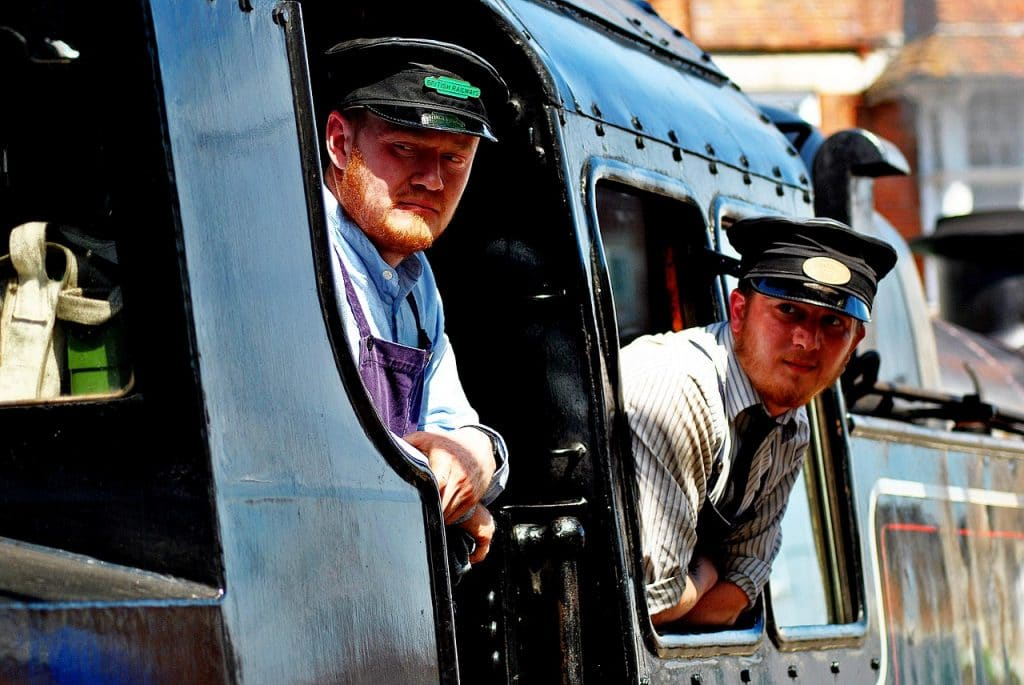 Salaire conducteur de train : combien gagne un conducteur de train en 2020