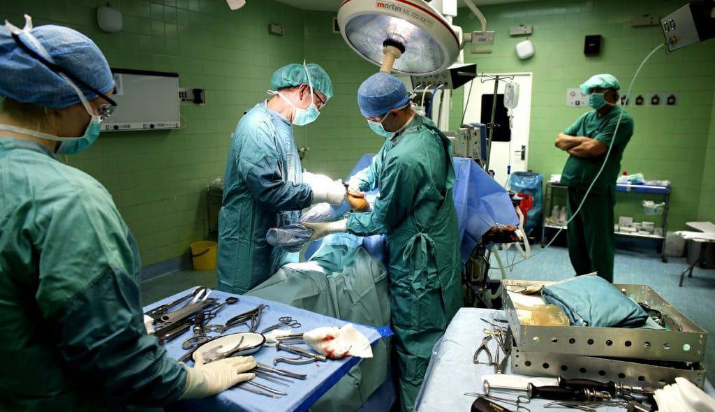 Salaire chirurgien : combien gagne un chirurgien en 2019