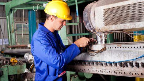 Règlage d'une machine dans une usine
