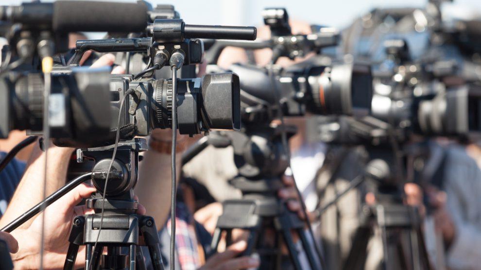Caméras durant une conférence de presse