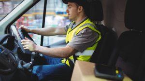 Chauffeur livreur en camionnette