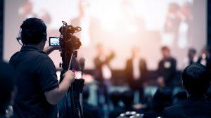 Cadreur en train de filmer