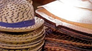 Présentation de différents chapeaux