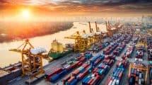 Port avec conteneurs