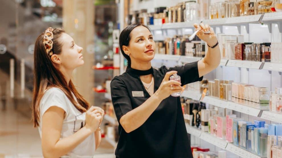 Conseillère de vente en parfumerie